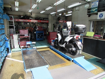 YSP福生東 サービス工場の写真